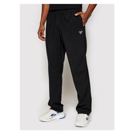 Reebok Spodnie dresowe Training Essentials Woven FP9170 Czarny Regular Fit