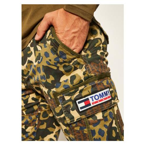Tommy Jeans Szorty materiałowe Tjm Camo Print Cargo DM0DM07937 Zielony Regular Fit Tommy Hilfiger