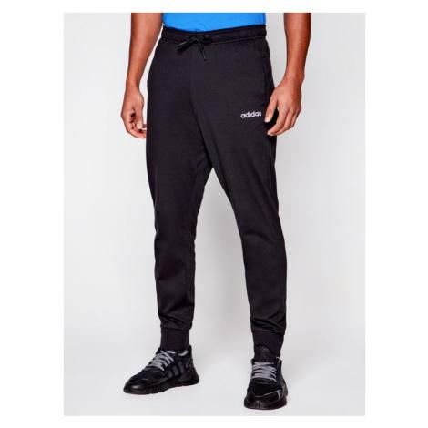 Adidas Spodnie dresowe Essential FM4346 Czarny Regular Fit