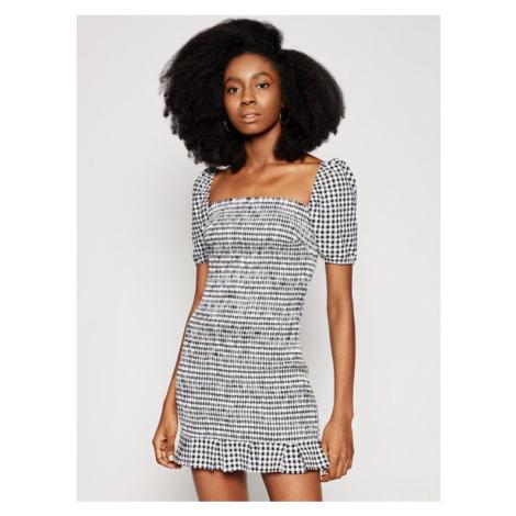 Sukienki z krótkim rękawem Guess