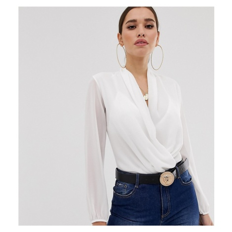 Boohoo basic wrap over woven body in white