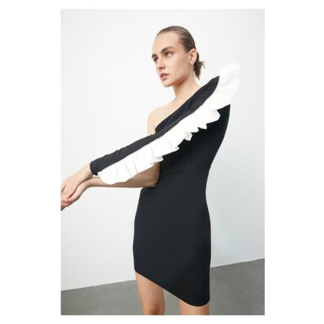 Trendyol Czarny Akseuar Szczegółowa sukienka