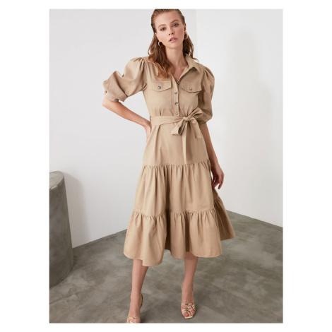Beżowa koszulowa sukienka midi Trendyol