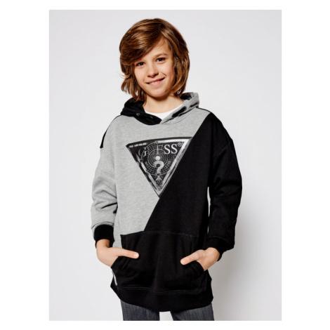 Modne ubrania dziecięce Guess