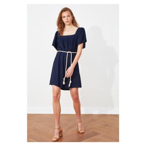 Trendyol Granatowy pas kwadratowy szyjka sukienka