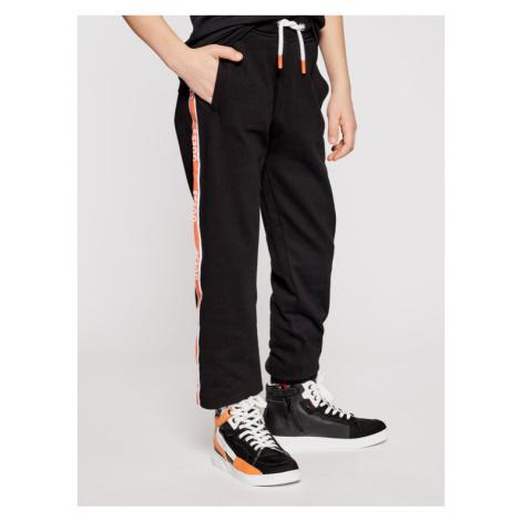 Guess Spodnie dresowe L1RQ03 KA6R0 Czarny Regular Fit
