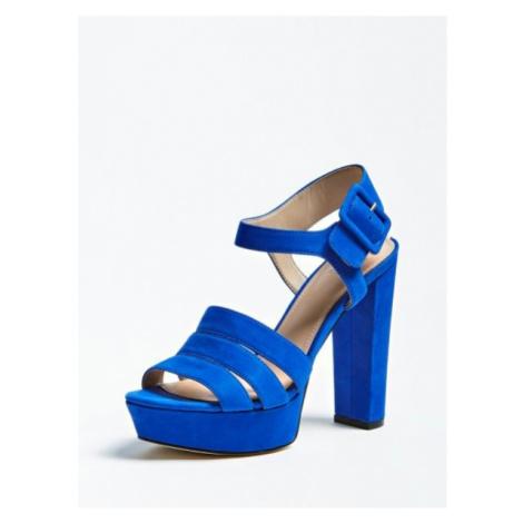 Zamszowe Sandały Na Obcasie Model Lylah Guess