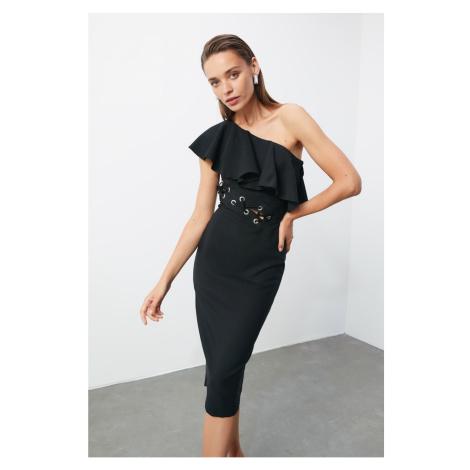 Trendyol Czarna sukienka w talii