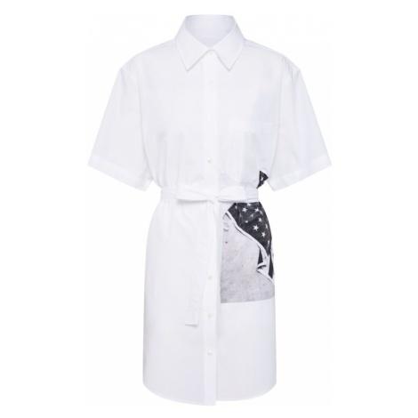 Calvin Klein Jeans Sukienka koszulowa 'FLAG PRINT SHIRT DRESS' szary bazalt / biały