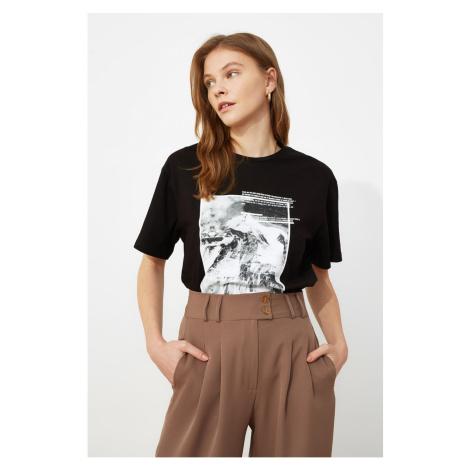 Trendyol Czarny Chłopak Print dzianinowy T-shirt