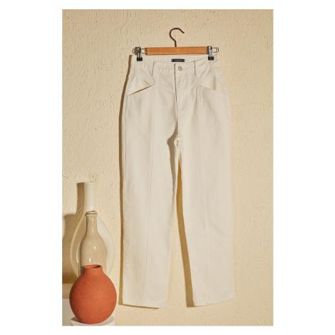 Trendyol Biała talia Szczegółowe wysokie pasy proste dżinsy