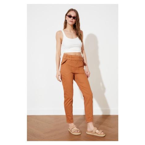 Trendyol Tan Button Szczegółowe wysokie pasy mom jeansy
