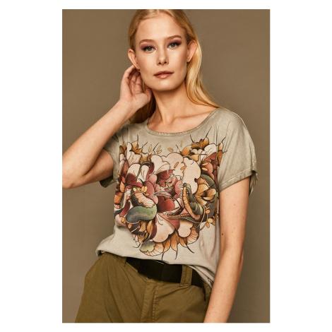 Medicine - T-shirt by Karolina Wilczewska, Tattoo Konwent