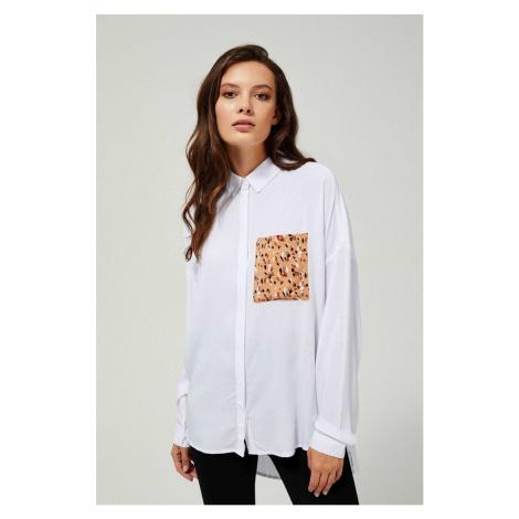 Moodo biała koszula z kieszonką lampartową