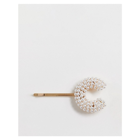 ASOS DESIGN hair clip with pearl 'C' initial in gold tone