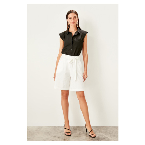 Trendyol White Tie Detailed shorts