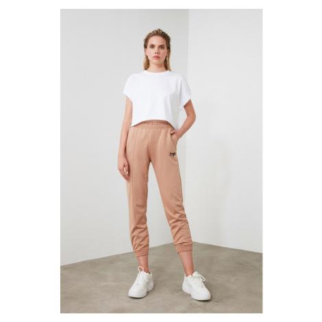 Spodnie dresowe damskie Trendyol Embroidered