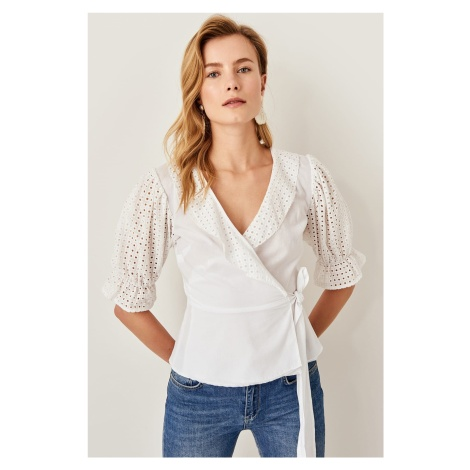 Trendyol Ecru Embroidery Detailed Blouse
