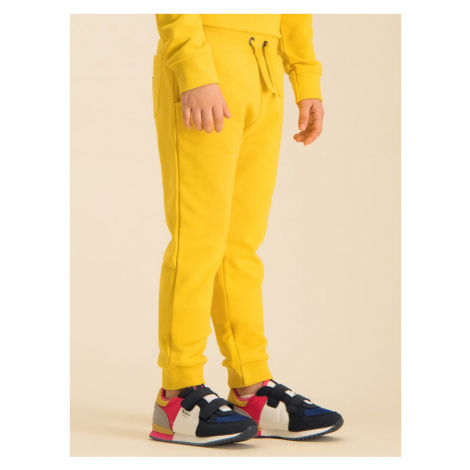 Guess Spodnie dresowe H01T02 K8D80 Żółty Regular Fit