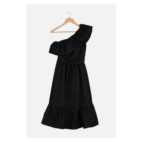 Suknia z falbanką z czarnym paskiem z paskiem Trendyol Black Belted