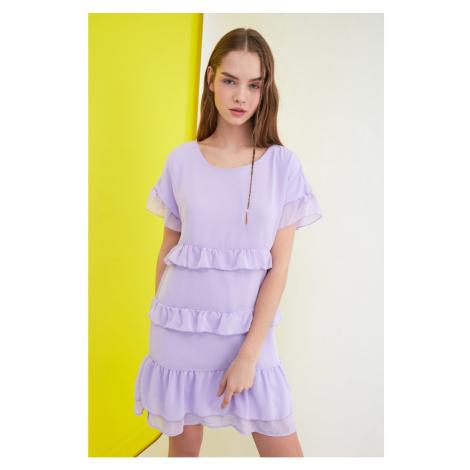 Sukienka z falbanką Trendyol Lila