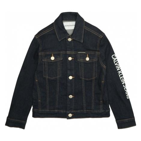 Calvin Klein Jeans Kurtka przejściowa 'BOYS TRUCKER LOGO BL STR' niebieski denim