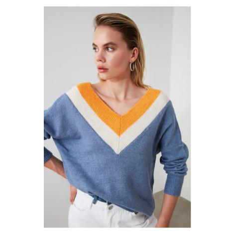 Women's sweater Trendyol V-neck