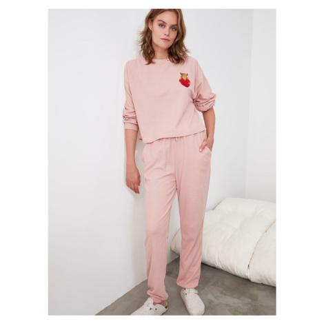 Różowa piżama damska Trendyol