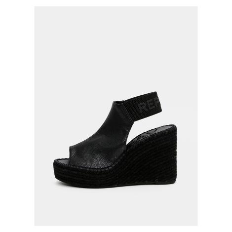 Czarne sandały damskie na koturnie Replay