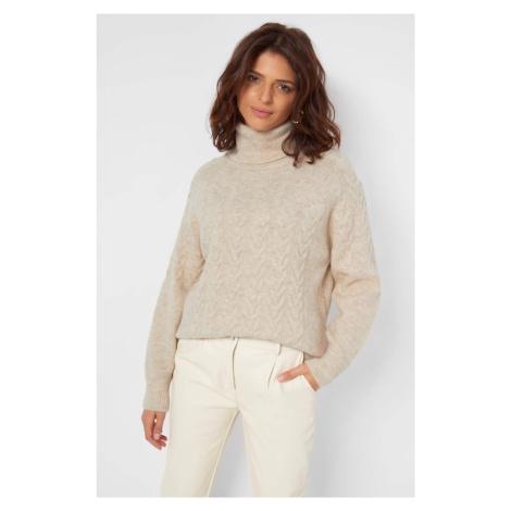 Sweter oversize z golfem Orsay