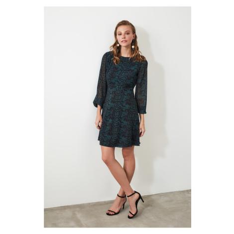 Suknia z wielokolorowymi wzorzysty suknią trendyol