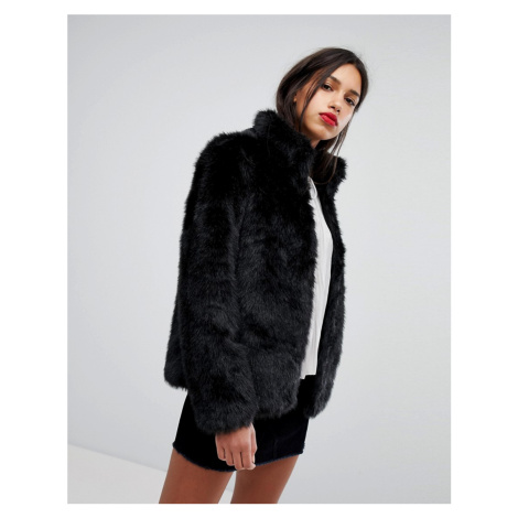 Vero Moda Short Faux Fur Jacket
