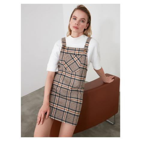 Brązowa sukienka w kratę Trendyol