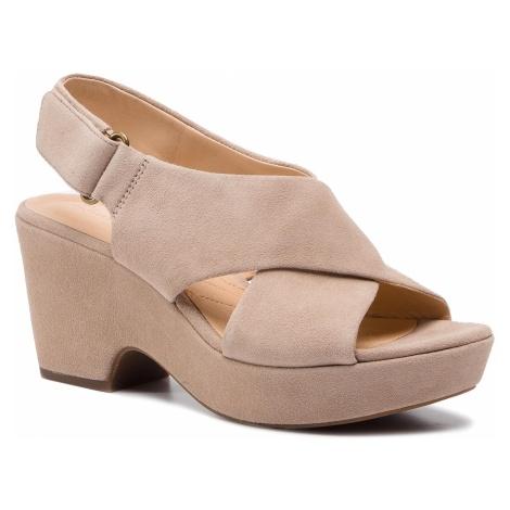 Sandały CLARKS - Maritsa Lara 261401204 Sand Suede