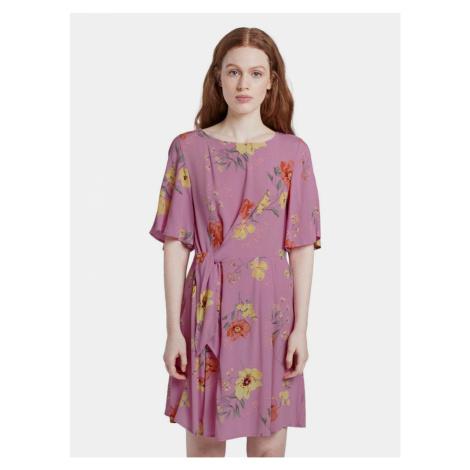 Różowa damska sukienka w kwiaty Tom Tailor Denim