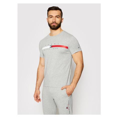 Tommy Hilfiger T-Shirt Global Strpie Chest Tee MW0MW16572 Szary Regular Fit