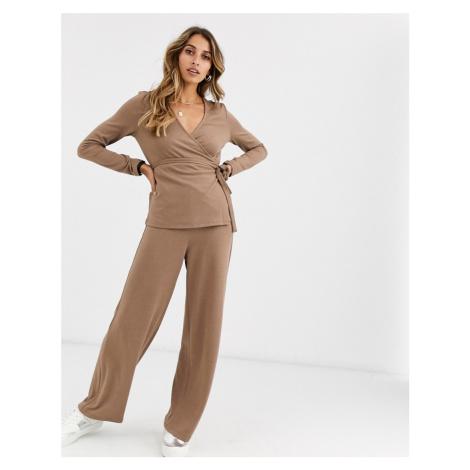 Vero Moda knitted wide leg trousers in mink