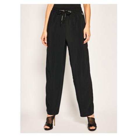 Spodnie materiałowe Calvin Klein Jeans