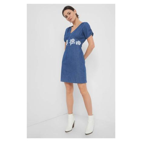 Jeansowa sukienka z haftem Orsay