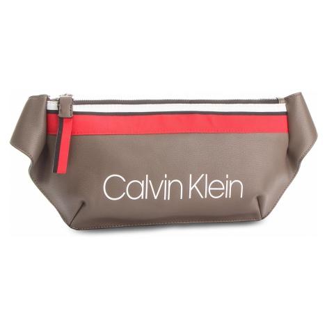 Saszetka nerka CALVIN KLEIN - Collegic Urban Crossbody K60K604456 002