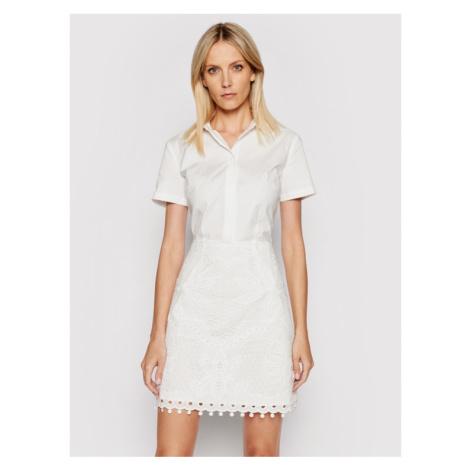 Guess Sukienka koszulowa W1GK1B WDW20 Biały Regular Fit