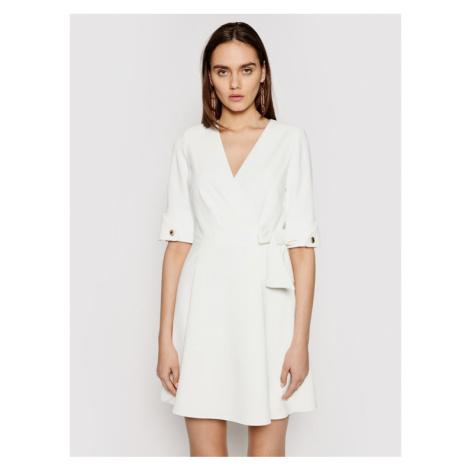 Marciano Guess Sukienka koktajlowa 1GG743 9529Z Biały Regular Fit