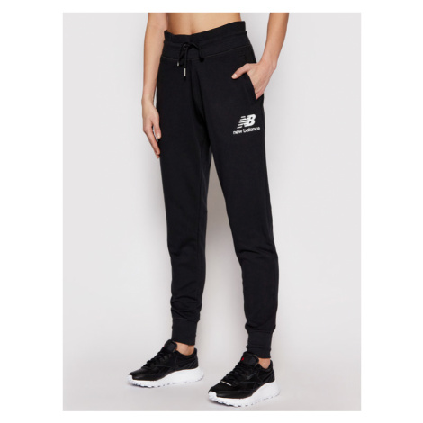 New Balance Spodnie dresowe Esse NBWP03530 Czarny Regular Fit
