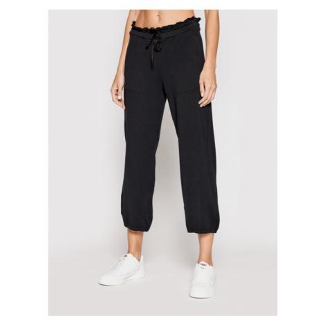 Deha Spodnie dresowe Cropped B44055 Czarny Relaxed Fit