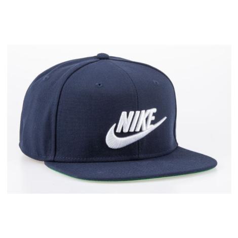 Nike Sportswear Pro > 891284-451