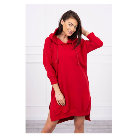 Sukienka z kapturem i dłuższym tyłem czerwonym