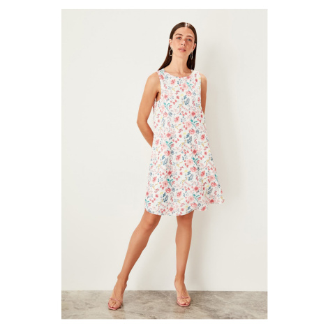 Women's dress Trendyol Floral Patterned