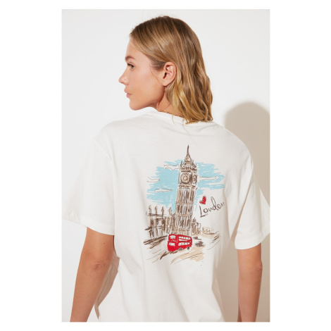 Trendyol Ekru z nadrukiem chłopak dzianinowy T-shirt