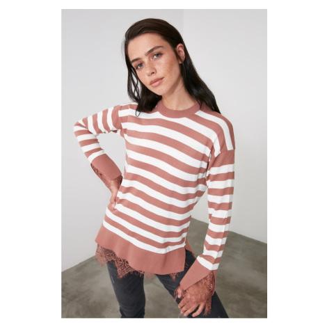 Bluza ze swetrem Trendyol Rose Dry Tiulowa — szczegółowy sweter z dzianiny