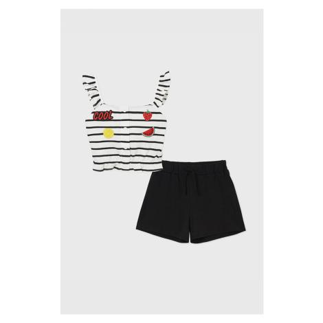 Komplet: dziewczęcy top i krótkie spodenki Cool